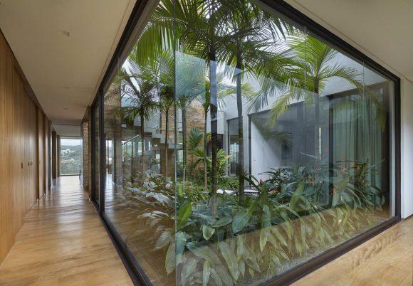 Загородная вилла с зимним садом в Бразилии