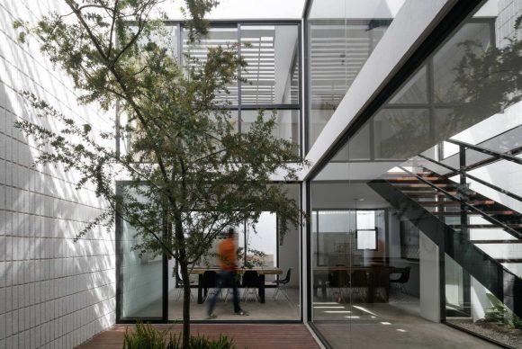 Дом с тремя дворами в Мексике