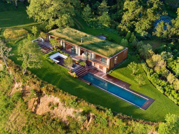 Дом с травяной крышей в США