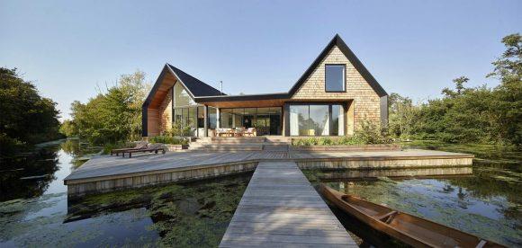 Дом Заводь (Backwater) в Англии от Platform 5 Architects.