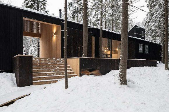 Обугленный дом в России
