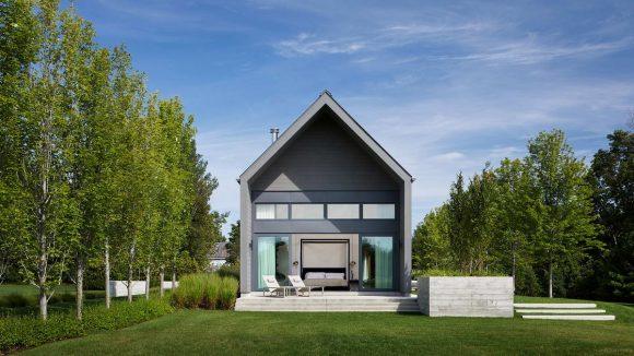Длинный дом в Канаде