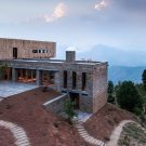 Проект Кумаон (The Kumaon) в Индии от Zowa Architects.