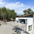 Клиновидный дом (The Wedge House) в Греции от Schema Architecture & Engineering.