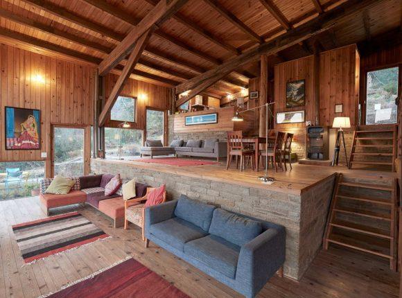 Дом с видом на Гималаи