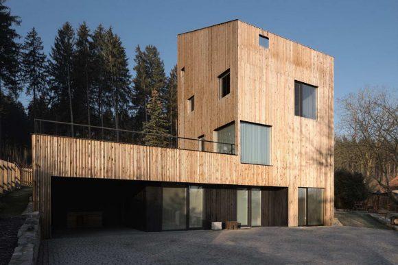 Дом-башня (Tower House) в Чехии от Zabran Nova architekti.