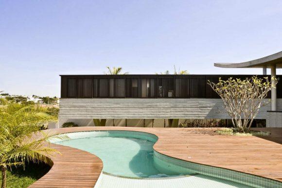 Дом Восхождение в Бразилии от Leo Romano.