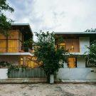Дом с двором в Индии от Abin Design Studio.