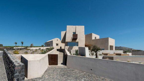 Скульптурный дом в Греции