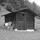 Сарай из лиственницы в Швейцарии от Alp'Architecture Sarl.