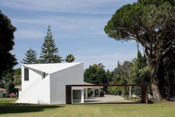 Белый домик в Испании