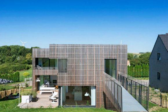 Дом на склоне в Бельгии