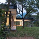 Дом среди сосен во Вьетнаме от Idee architects.