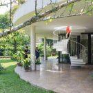 Дом V4 во Вьетнаме от TNT architects.
