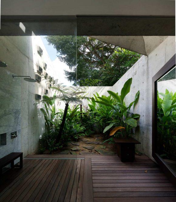 Бетонный дом в Сингапуре