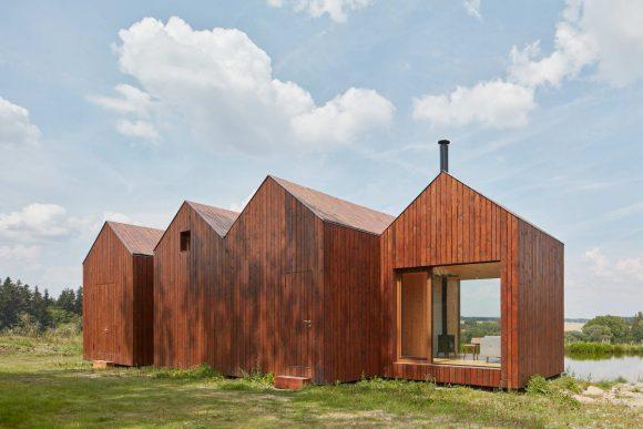 Коттедж возле пруда в Чехии от Atelier 111 Architekti.