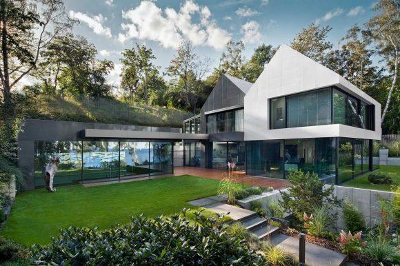 Дом на склоне в Польше