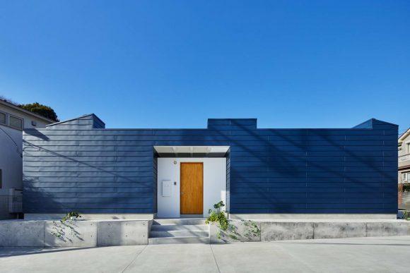Дом с двором в Японии
