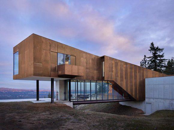 Лесной дом на вершине в США