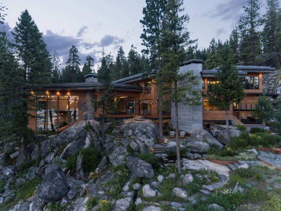 Лесной дом у озера в США 3