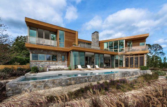 Дом у залива в США