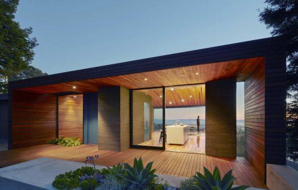 Дом с видом на горизонт в США от Terry & Terry Architecture.