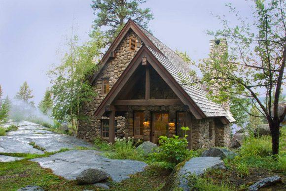Каменный коттедж в США от McCall Design and Planning.
