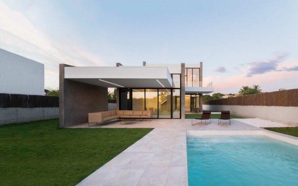 Скользящий дом в Испании от Ruben Muedra Estudio de Arquitectura.
