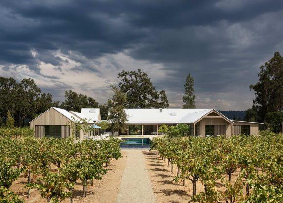 Дом у виноградника в США