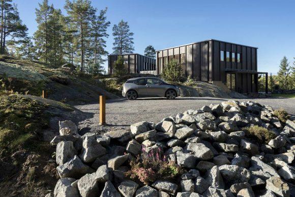 Вилла на скале в Швеции
