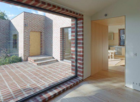 Кирпичный дом из кубиков