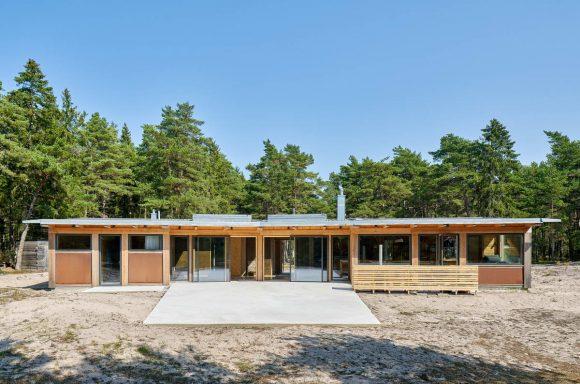 Шведский домик на песке