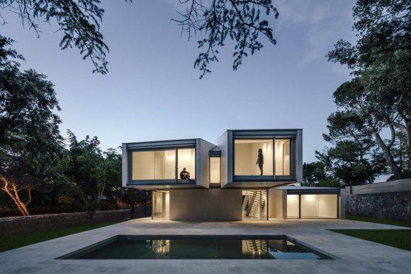 Скульптурный дом в Испании