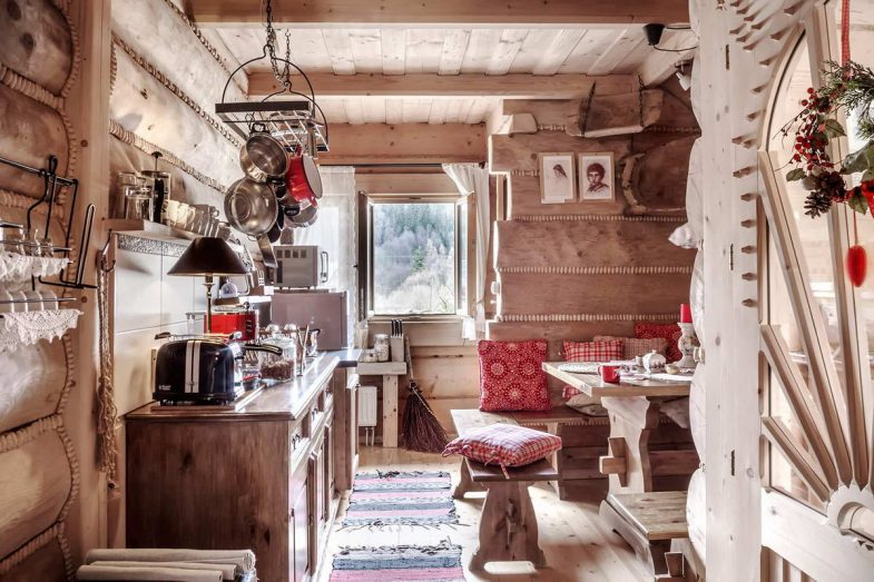 Очень тёплый деревянный интерьер