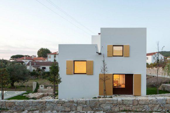 Дом с антифасадом