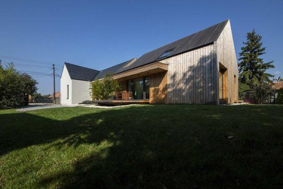 Новая жизнь простого дома