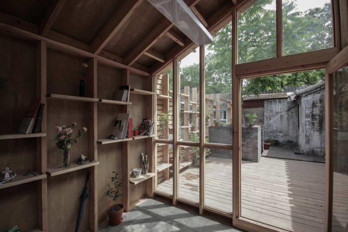 Маленькая студия в маленьком дворе