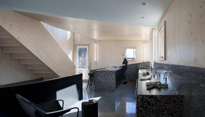 Новаторский дом с простыми решениями