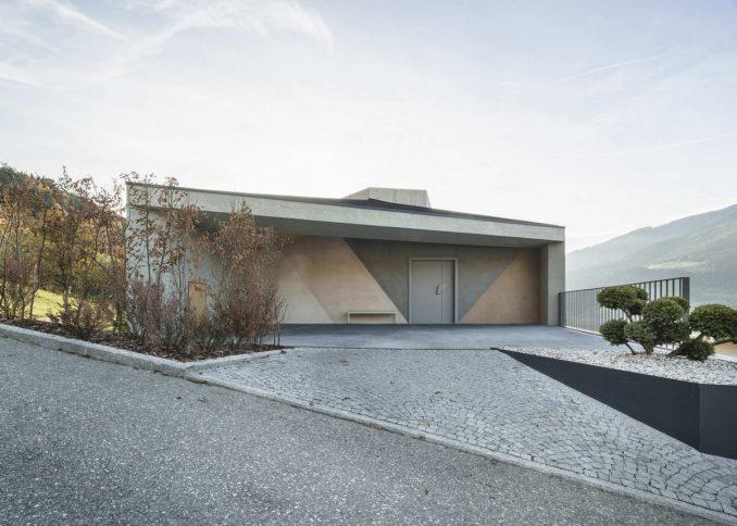Пятиугольный дом в Италии