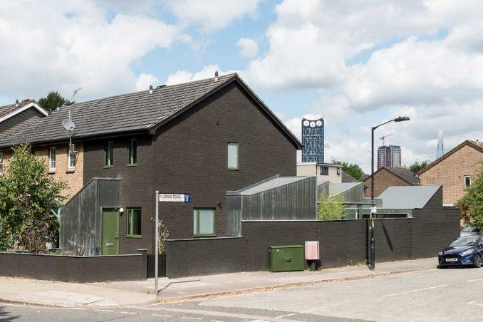 Непростое обновление простого дома