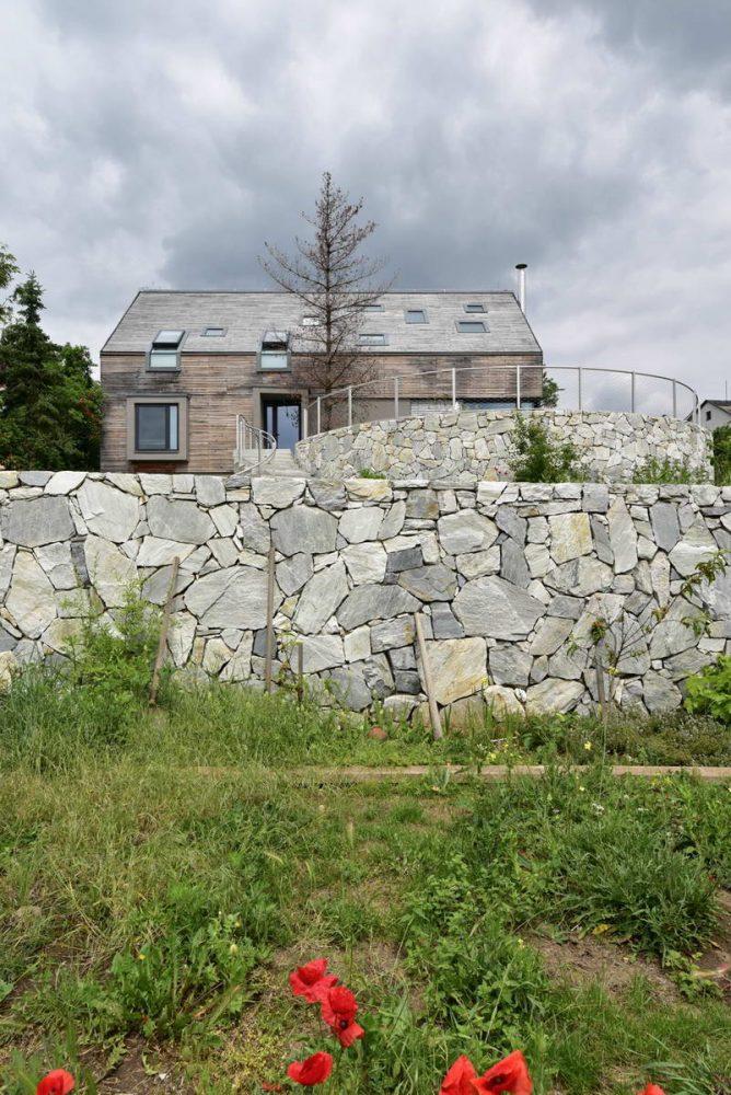 Простой дом на склоне 2