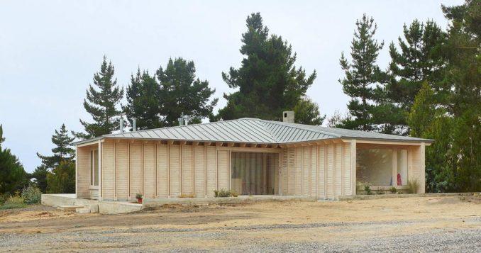 Деревянный дом-крест