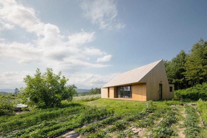 Непростой простой дом