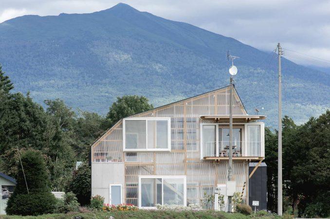 Многослойный прозрачный дом