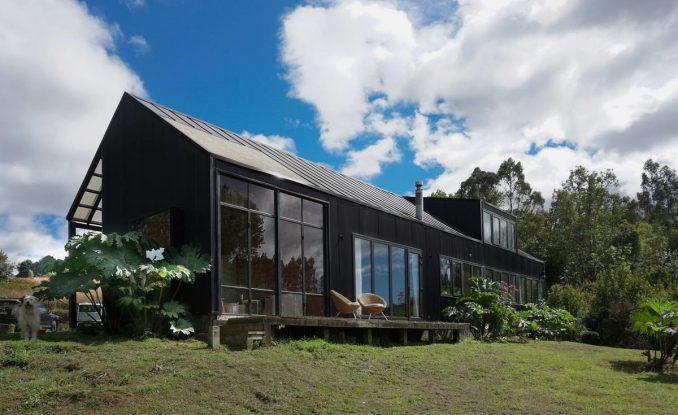 Простой дом в стилистике немецких поселенцев