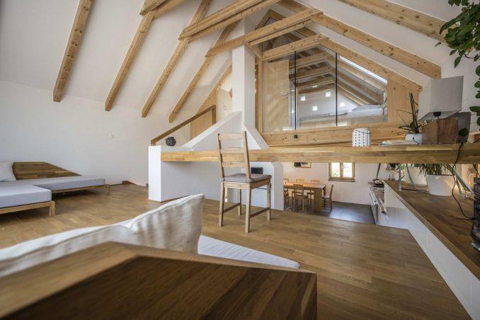 Простой дом с деревенским интерьером