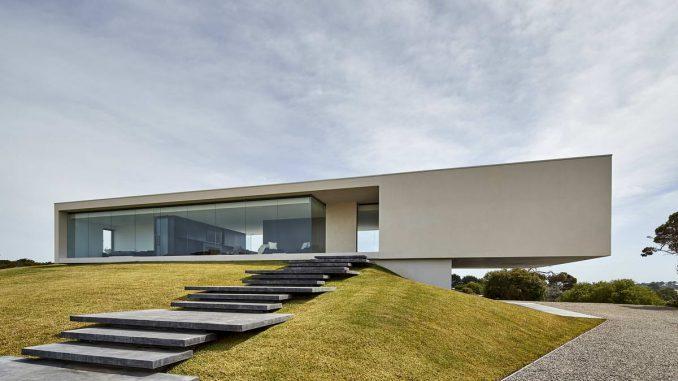 Уникальный минималистский дом с консолью - Интерьер